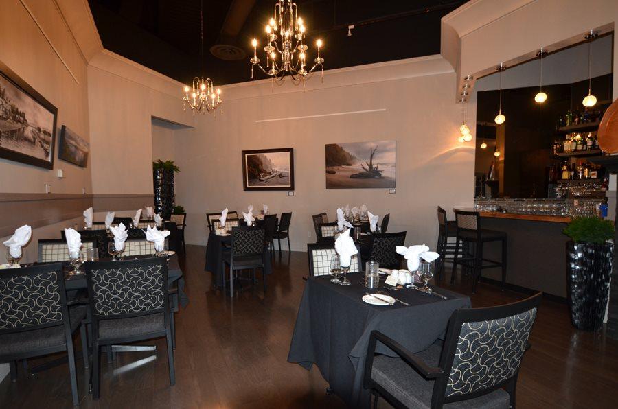 Playbill Dining Room Photo 1 Gallery